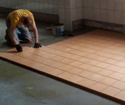 Напольное покрытие для технических помещений: наливной пол или плитка?