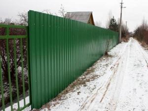 """Забор из Профнастила с Полимерным покрытием """"Под Ключ"""" 1.7 м. Зелёный"""